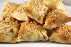 Tortas do Cretan com sementes de sésamo Fotografia de Stock