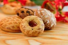 Tortas y galletas decorativas Imagen de archivo libre de regalías