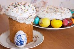 Tortas y huevos de Pascua Fotografía de archivo libre de regalías