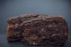 Torte de chocolat avec de la confiture d'abricot Photographie stock libre de droits