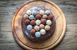 Torte de Sacher decorado com trufas Imagem de Stock