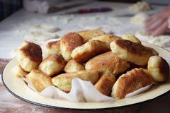 Torte della Camera con cipolle ed uovo Fotografie Stock