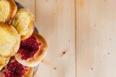 Torte di formaggio casalinghe fragranti rustiche deliziose fotografie stock