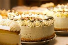 Torte in einer Bäckerei Stockbild