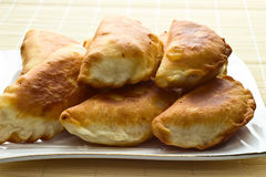 Torte fritte con cavolo fotografia stock