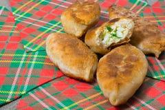 Torte fritte sui tovaglioli Fotografia Stock