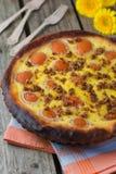 Torte mit Aprikosen Lizenzfreie Stockfotos