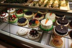 Torte in un forno Fotografia Stock