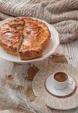 Torte und Kaffee stockfotos