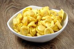 Tortellini, ιταλικά ζυμαρικά αυγών Στοκ Εικόνες