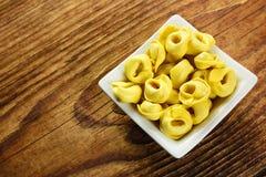Tortellini, свежие макаронные изделия яичка Стоковые Фото