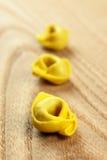 Tortellini, свежие макаронные изделия яичка Стоковые Фотографии RF
