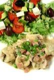 Tortellini avec de la sauce à Carbonara Photographie stock libre de droits