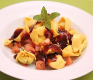 Tortellini with chili sauce Royalty Free Stock Photos