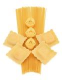 Tortellini del espagueti y pastas de los raviolis Imagen de archivo libre de regalías