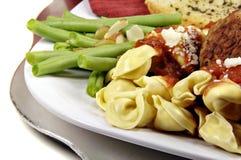 Tortellini en Vleesballetjes met Saus Royalty-vrije Stock Afbeelding