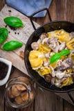 Tortellini italiano de las pastas Fotografía de archivo