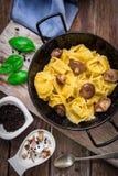 Tortellini italiano de las pastas Fotos de archivo libres de regalías
