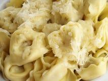 Tortellini met kaas Stock Afbeelding