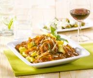 Tortellini met saus en kaas Royalty-vrije Stock Afbeelding
