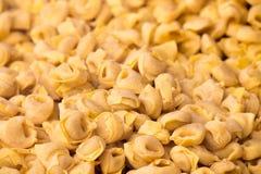 Tortellini, pâtes italiennes images stock