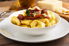 Tortelloni aglio e olio. Tortelloni aglio, olio e peperoncino Royalty Free Stock Photo