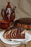 Torten-Zebra mit Schokoladenzuckerglasur Lizenzfreie Stockfotografie