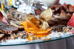 Tortenscheiben und -orange Lizenzfreies Stockbild