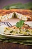 Tortilla de huevos italiana con el calabacín. Foto de archivo libre de regalías