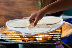 Tortilla de maíz fresca hecha a mano Foto de archivo libre de regalías