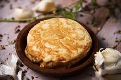 Tortilla de patatas, испанский омлет Стоковые Фотографии RF