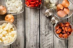 Tortilla de patatas Ingrédients pour préparer l'omelette espagnole Photos libres de droits