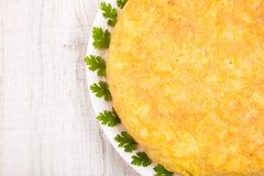 Tortilla espagnole faite maison fraîche (omelette) Image stock