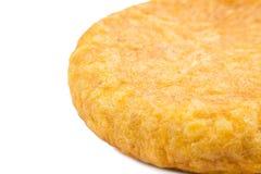 Tortilla espagnole (omelette) sur le fond blanc Photographie stock