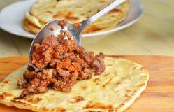 Tortilla frite avec de la viande Images stock