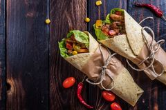 tortilla meksykański opakunek fotografia stock