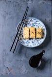 Tortilla rodada japonés Tamagoyaki Fotografía de archivo libre de regalías
