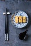 Tortilla rodada japonés Tamagoyaki Imagen de archivo