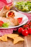 Tortillaomslagen met kip en groente Royalty-vrije Stock Fotografie