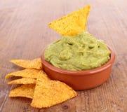 Nachos και guacamole στοκ εικόνες με δικαίωμα ελεύθερης χρήσης
