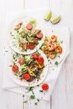 Tortillas con carne de vaca, el pollo y los camarones Imagen de archivo