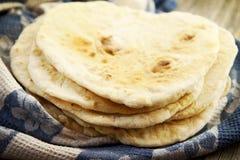 Tortillas hechas en casa imagenes de archivo