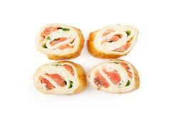 Tortillasushi met zalm Stock Afbeeldingen
