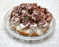 tortowy czekoladowy kremowy biel obrazy stock