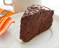tortowy czekoladowy naczynia plasterka biel Obraz Royalty Free