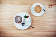 Tortowy lody z czekoladą i cappuccino Fotografia Royalty Free