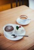 Tortowy lody z czekoladą i cappuccino Obraz Royalty Free
