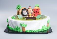 tortowych lub Kreatywnie zwierząt o temacie tort na tle ilustracji