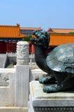 Tortue en bronze dans le palais impérial qui représente la puissance et la longue durée, Cité interdite dans Pékin Photo stock