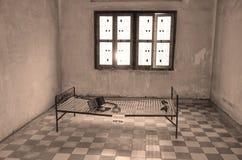 Tortury łóżko w Khmer Rouge szkole średniej S-21 Obrazy Royalty Free